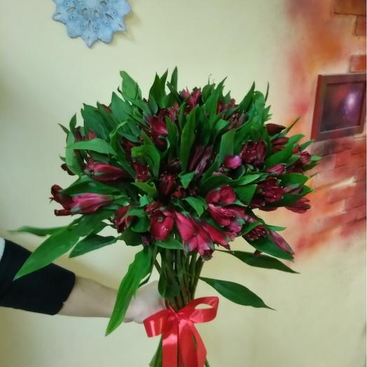 Букет из 21 красной альстромерии: букеты цветов на заказ Flowwow