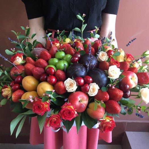 Фруктовая коробка: букеты цветов на заказ Flowwow