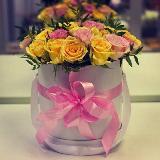 Шляпная коробка с розами : букеты цветов на заказ Flowwow