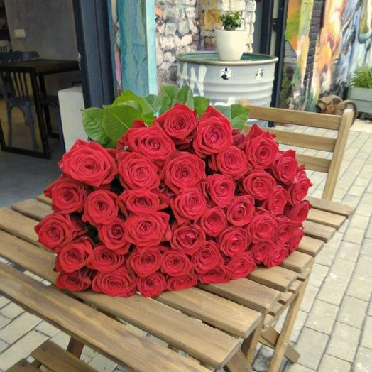 Букет из 41 красной розы: букеты цветов на заказ Flowwow