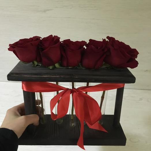 5 красных роз: букеты цветов на заказ Flowwow