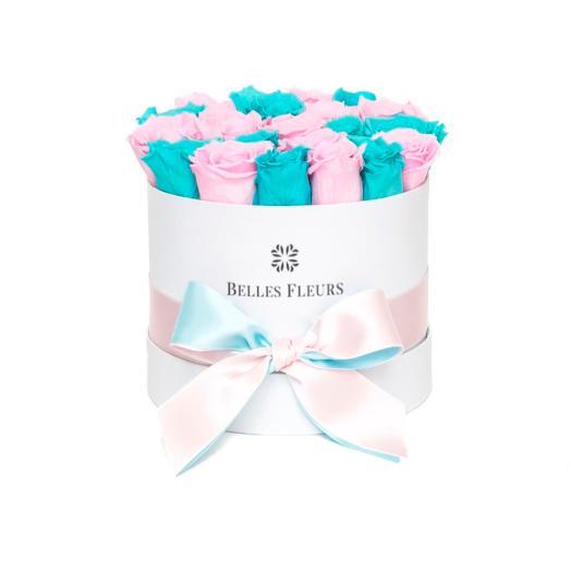 Букет вечных розовых роз и цвета Tiffany  в шляпной коробке: букеты цветов на заказ Flowwow
