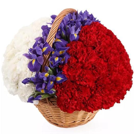 Триколор: букеты цветов на заказ Flowwow