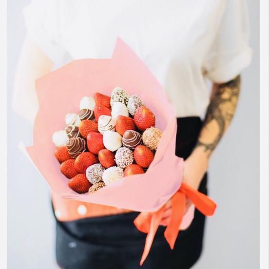Клубника «Бантик»: букеты цветов на заказ Flowwow
