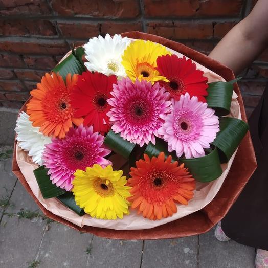 Букет с  разноцветными герберами: букеты цветов на заказ Flowwow