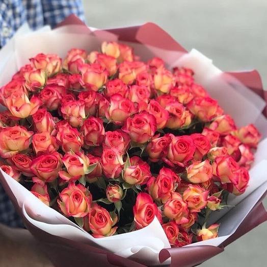 Букет из 21 кустовой розы: букеты цветов на заказ Flowwow