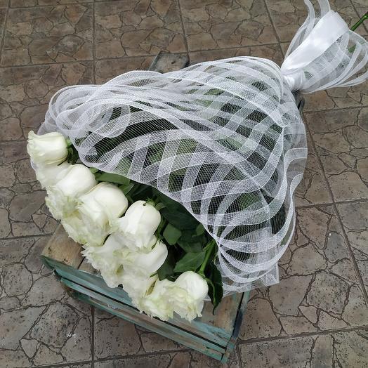 Шикарный букет белых роз премиум