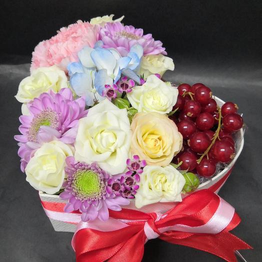 Ягодный сюрприз: букеты цветов на заказ Flowwow