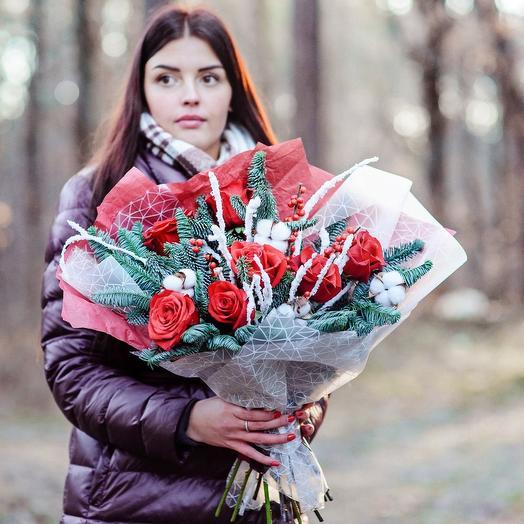 Новогодние розы: букеты цветов на заказ Flowwow
