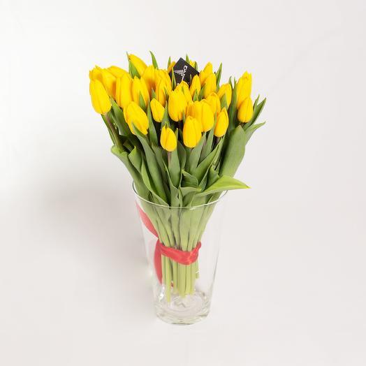 35 желтых тюльпанов премиум