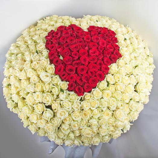 VIP basket of 451 Dutch roses