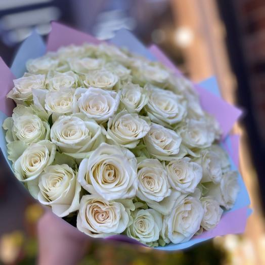 Монобукет из белых роз