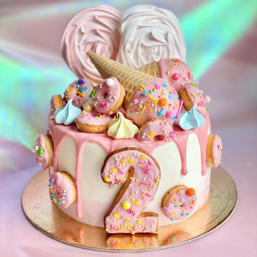 Торт детсктй с пряничным декором