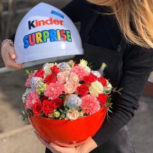 Киндер с цветами