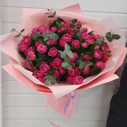 Объемные кустовые розы Мисти Баблс