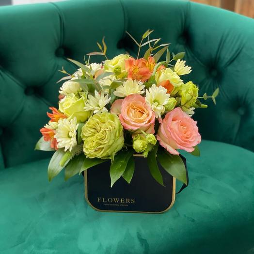 Стильная коробка с розами
