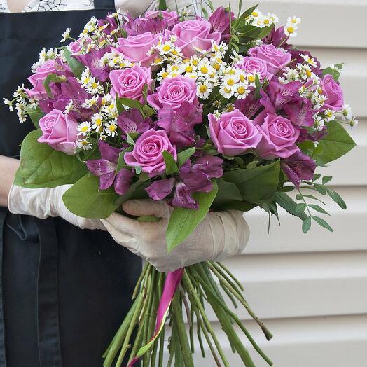 """Букет """"Шелковая роскошь"""" из розы, ромашки и альстромерии"""