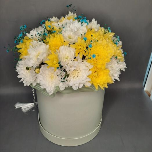 Flowers in a hatbox