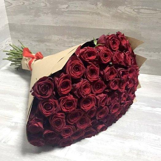 51 красная роза 60 см в упаковке крафт: букеты цветов на заказ Flowwow