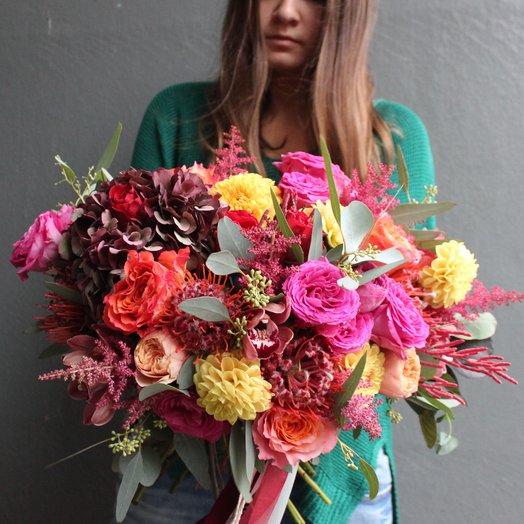 Букет с гортензией и леукаспермумом: букеты цветов на заказ Flowwow