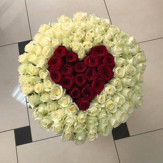 101 сердце: букеты цветов на заказ Flowwow