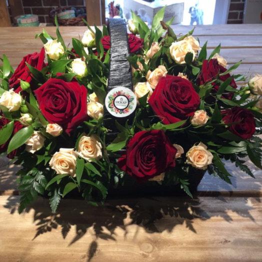 Корзина «Статус»: букеты цветов на заказ Flowwow