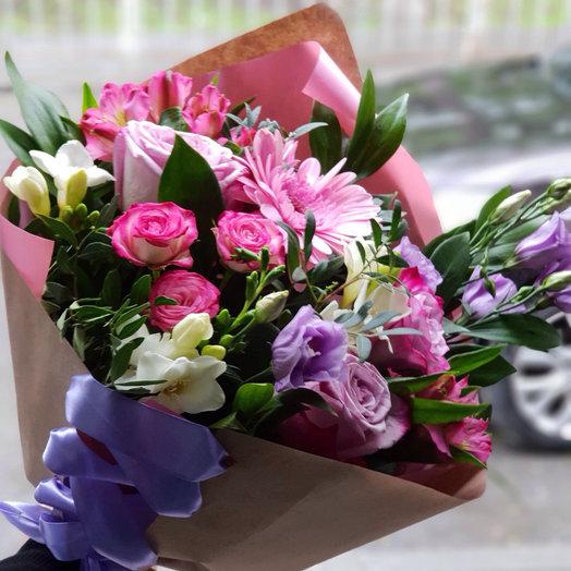 Букет с сиреневыми розами фрезией альстромерией и орхидеями: букеты цветов на заказ Flowwow