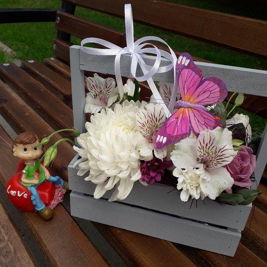 Деревянный ящик с копилкой : букеты цветов на заказ Flowwow