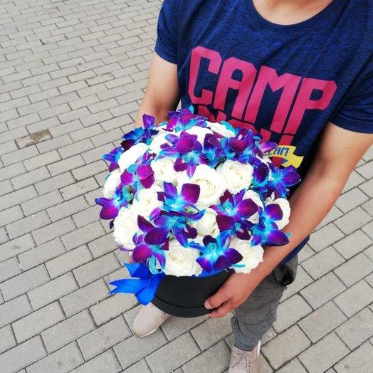 Орхидея с белыми розами: букеты цветов на заказ Flowwow