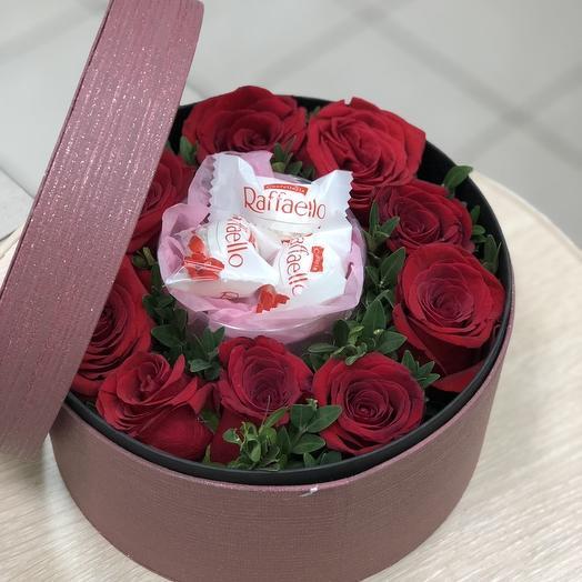 """Шляпная коробка с красной розой """"Цветочный рай"""""""