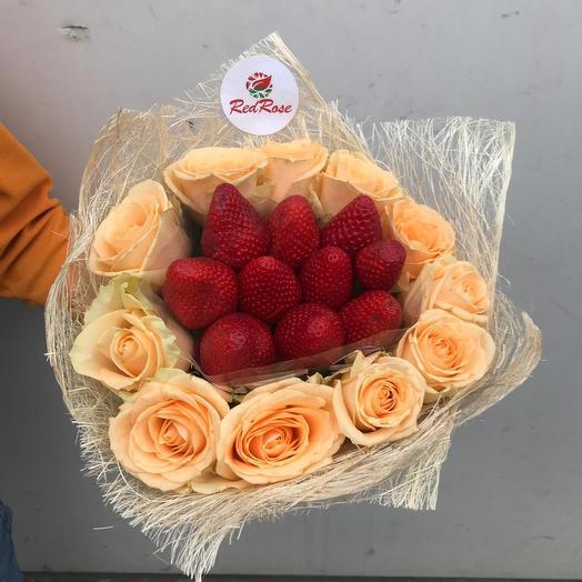 Клубничное настроение ;): букеты цветов на заказ Flowwow