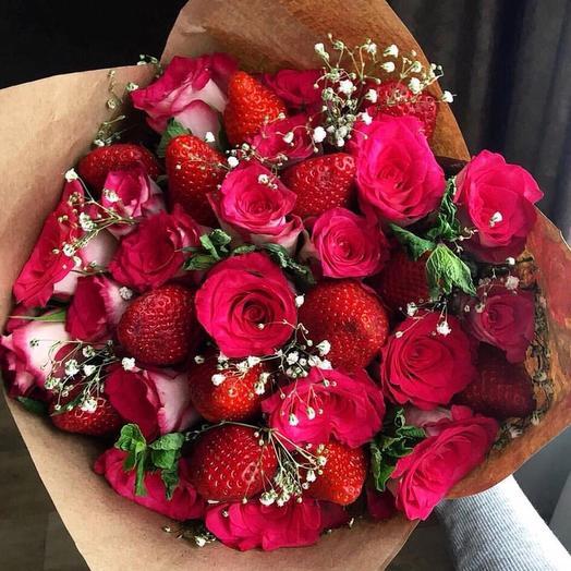 Клубники и розы в букете «Букет невесты»: букеты цветов на заказ Flowwow