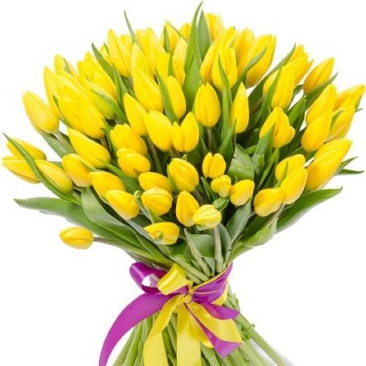 Изысканный букет из нежных желтых тюлпанов: букеты цветов на заказ Flowwow