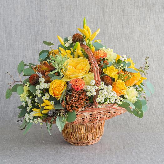 """Средняя композиция """"Янтарь"""": букеты цветов на заказ Flowwow"""