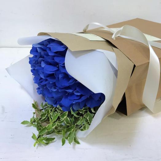 Букет из синей гортензии: букеты цветов на заказ Flowwow
