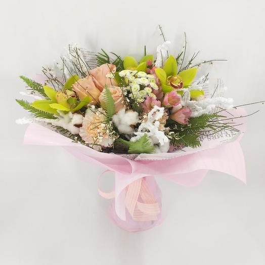 Букет с орхидеями и пионовидными розами: букеты цветов на заказ Flowwow