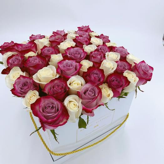 Grande square white box with 49 mixed roses: букеты цветов на заказ Flowwow