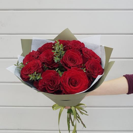Букет из 11 роз у упаковке: букеты цветов на заказ Flowwow