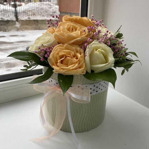 Шляпная коробка из 11 роз: букеты цветов на заказ Flowwow