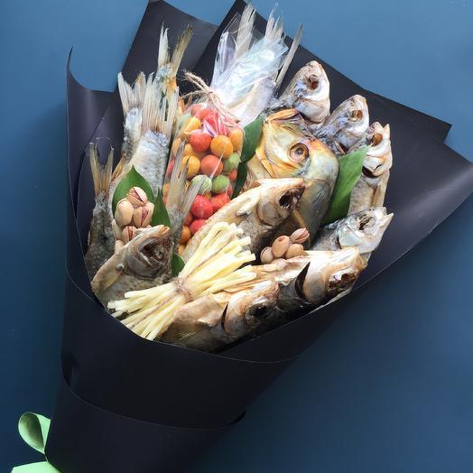 Мужской фуд-букет из вяленой рыбы