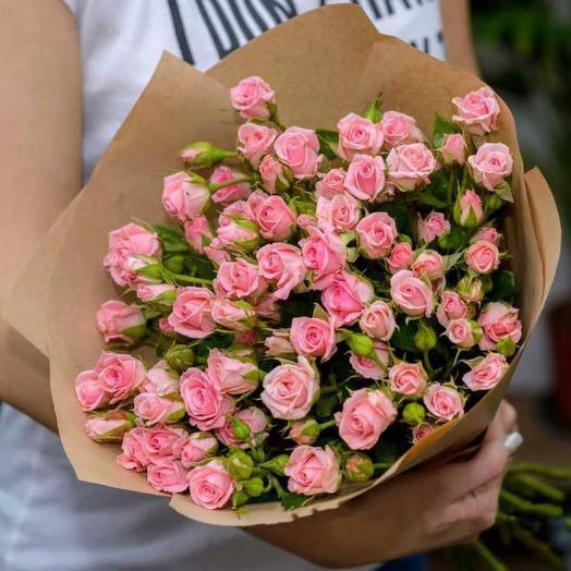 Кустовая роза 19 шт в крафте