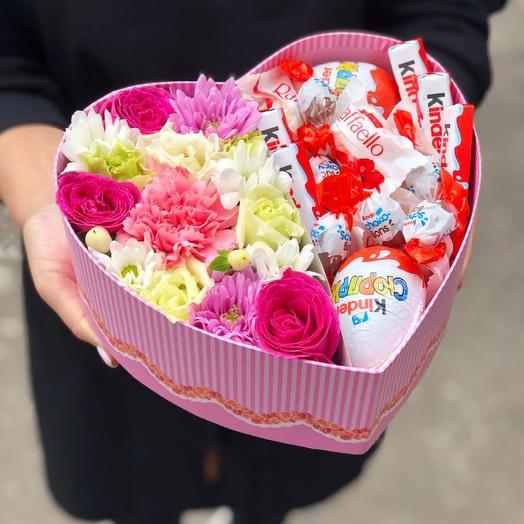 Цветы и киндеры в коробочке