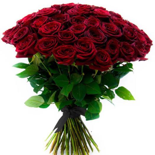 50 красных роз с чёрной лентой
