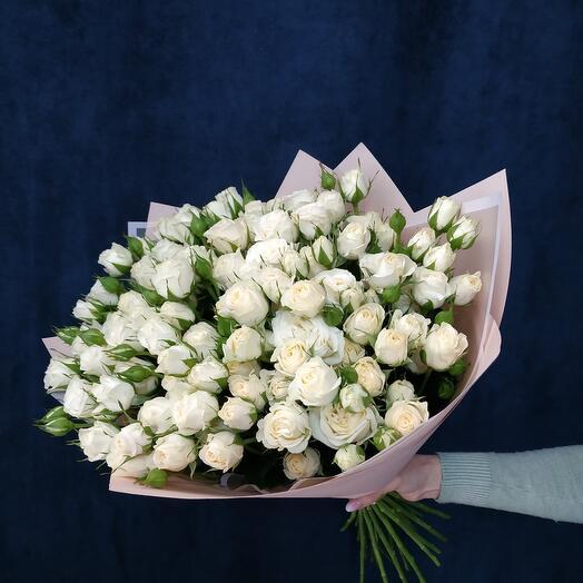 """Букет """"25 белых кустовых роз"""""""