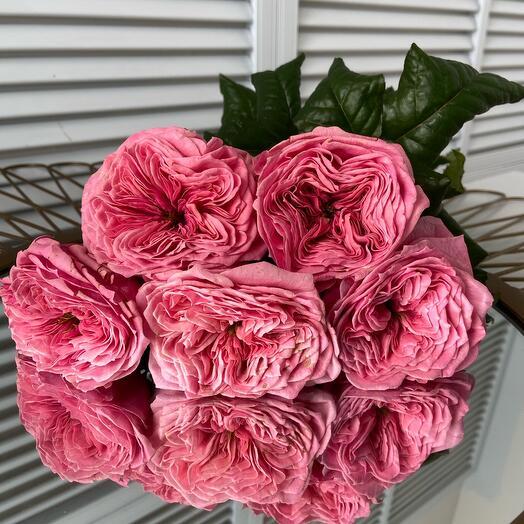 Букет из махровых пионовидных розовых роз