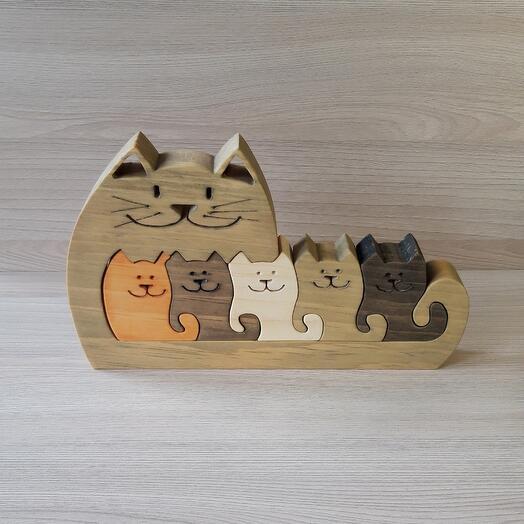 """Деревянный пазл из кедра ручной работы """"Серая кошка с котятами"""", 6 элементов"""