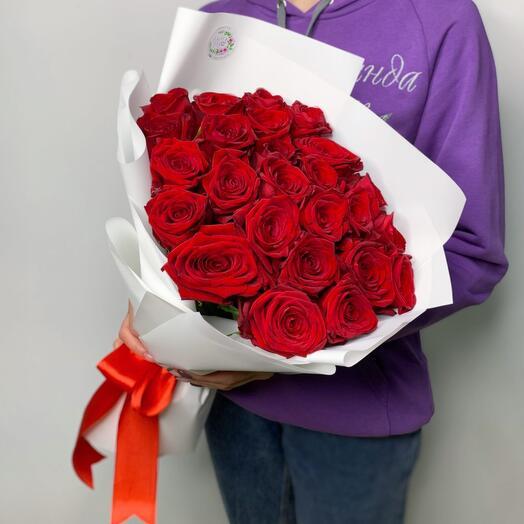 """21 роза """"Red Naomi"""" в оформлении"""