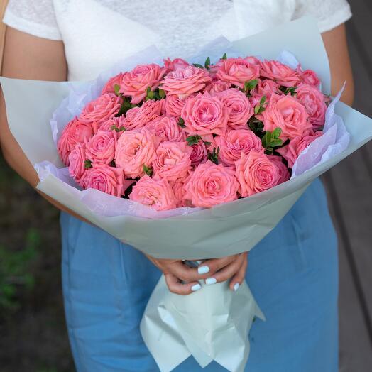Букет из кустовой розы 27