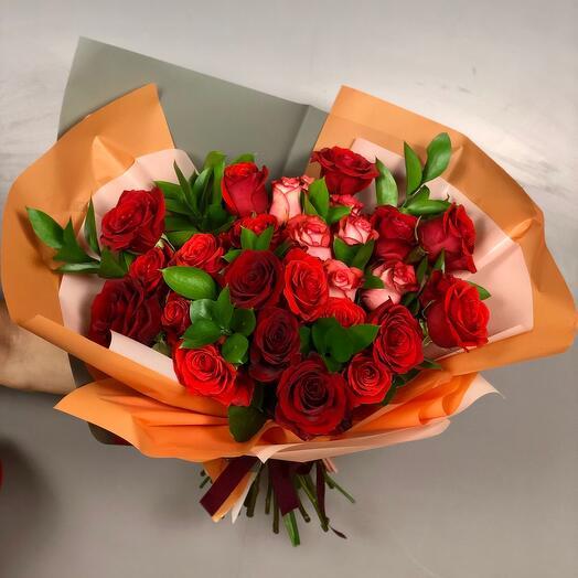 Роскошный букет из 25 роз