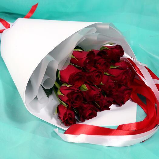 Букет из 15 красных роз 40 см